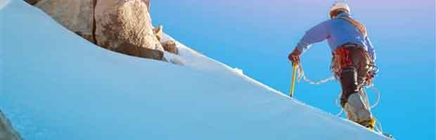 Comment monter une pente enneigée